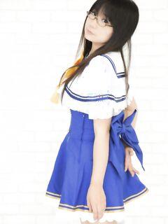 Японская школьница умеет возбуждать мужчин