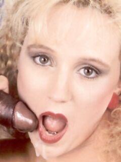 Жесткий анальный секс блондинки с негром