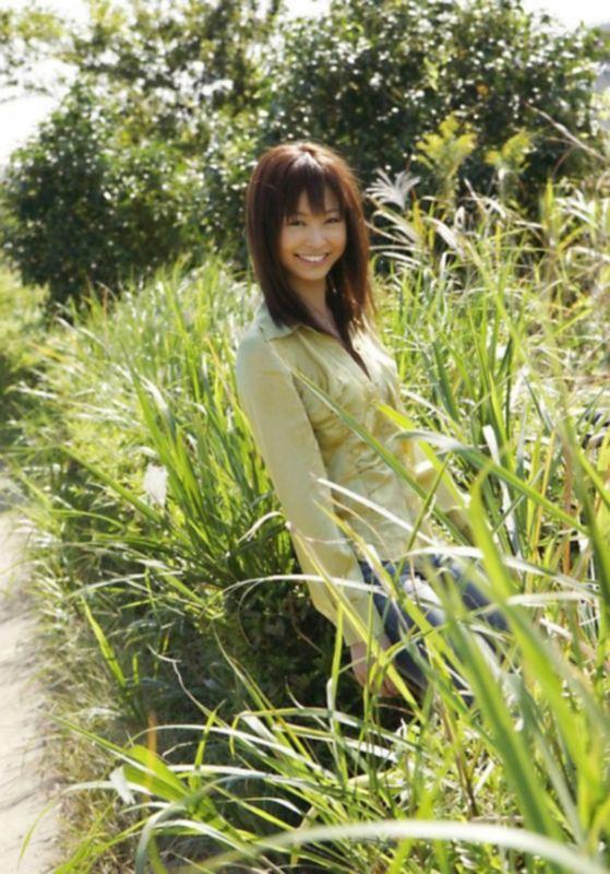 Незнакомая азиатка не отказалась от секса на природе