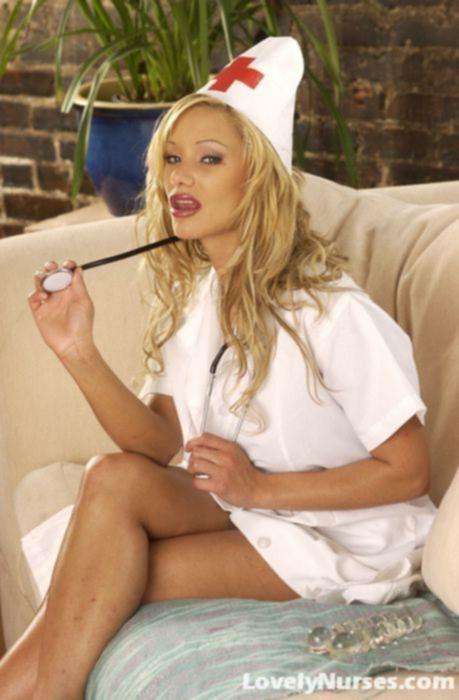 Шейла - шикарная медсестричка с большой задницей