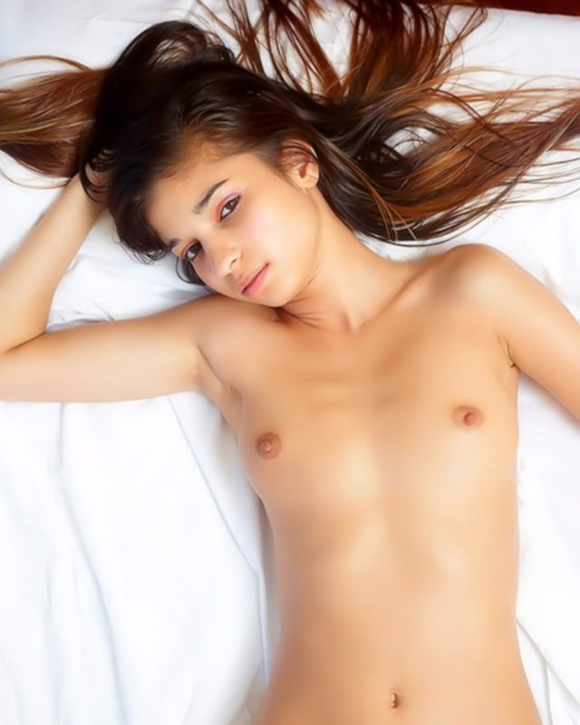 Гибкая и невероятно привлекательная сучка хочет секса